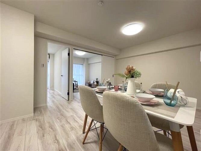 LDK約13.9帖 家具付き販売です。
