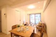 ダイニングテーブルを充分に置ける広々としたLDK。 デザインがシンプルなので家具がとても選びやすいです!